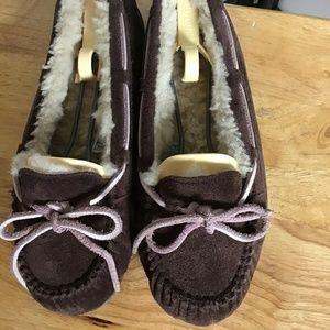 UGG Australia 5466 Sheepskin Dark Brown Suede 7M